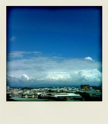 blue sky (by 小帽(Hat))