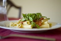 Rigatoni with Tomato Sauce and Basil