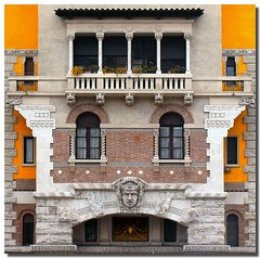 Coppede' style (Nespyxel) Tags: windows rome roma building yellow architecture liberty spider balcony columns arches architect giallo quarter baroque deco palazzo architettura barocco stefano colonne ragno balcone archi finestre geometrie quartiere architetto geometries simmetrie decoro simmetries coppede challengeyouwinner ginocoppede quartieretrieste palazzodelragno nespyxel stefanoscarselli pleasedontusethisimageonwebsitesblogsorothermediawithoutmyexplicitpermissionallrightsreserved pleasedontusethisimageonwebsites blogsorothermediawithoutmyexplicitpermissionallrightsreserved