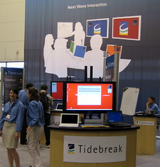 Tidebreak peeps practice their speil, await custs (AV-1) Tags: tools software computing collaboration conferencing infocomm tidebreak nextspace av1org infocomm2008 joeschuch
