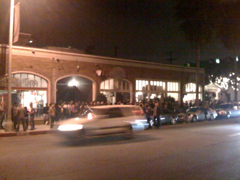Line at intelligentsia opening