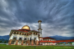 Darul Qur'an Mosque IV - Gloomy Clouds (Firdaus Mahadi) Tags: sunset sky clouds gloomy peaceful tranquility mosque serenity malaysia awan dq hdr highdynamicrange masjid selangor langit bukhari uwa   jamek mesjid peacefully ultrawideangle  kualakububharu      5exposures mendung  kkb gloomyclouds     tokina1116mmf28 darulquran buyie masjiddarulquran masjiddq tasikhuffaz dqkkb firdausmahadi muktasyaf huffaz firdaus huffazlake darulquranmosque annamir wwwfirdausmahadicom  dqmosque wwwdarulqurangovmy awanmendung