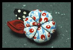 Abóbrinha fuxico (Minhas Crias) Tags: artesanato fuxico aplique abóbora trabalhosmanuais abóboradefuxico tecidoretalho