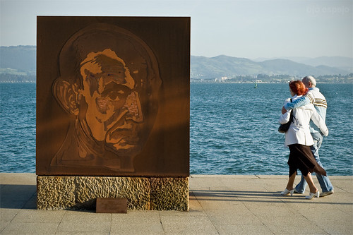 Escultura de José Hierro