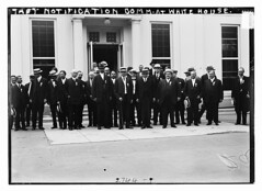 Taft and Notification Comm. at Wh. House  (LOC) (The Library of Congress) Tags: whitehouse libraryofcongress taft xmlns:dc=httppurlorgdcelements11 greatmustachesoftheloc dc:identifier=httphdllocgovlocpnpggbain13460 notificationcommittee