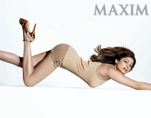 photo-scan of Shamita Shetty on Maxim June 2009