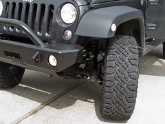 Jeep-LiftTiresBumper-0706