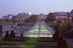 Le Halles, Paris (Paul S Bartholomew) Tags: city travel paris france french photography evening photo europe photographer photos photographers lehalles