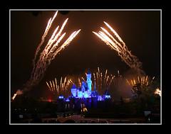 IMG_4965 (ziemme) Tags: hongkong fireworks disneyland sleepingbeautycastle