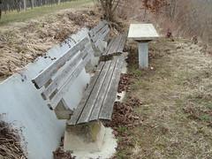 panoramabank im Kferholz (michaelschmidt89) Tags: bank gras tisch reben