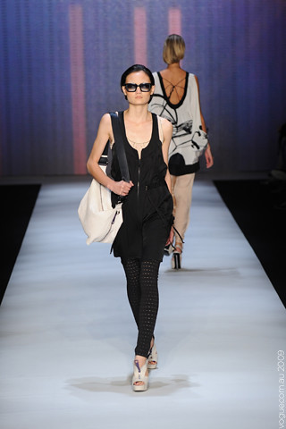 Ginger_and_Smart_Runway_05