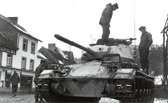 DMP-D979 US ARMY M-24 CHAFFEE (damopabe) Tags: light army us tank wwii battle bulge chaffee m24