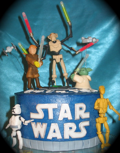 front view of Star Wars cake