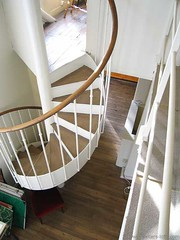 Loft escalier (Btanes) Tags: paris kitchen pool wall loft bathroom cuisine hall bedroom frankreich o parquet raum room zimmer lounge bad piscina bleu treppe escalera swimmingpool cocina artnouveau staircase diningroom r mezzanine duplex attic mauve scala salon walls kche lecorbusier chambre bagno dach lofts escalier starck costanza douche ateliers corbusier techo fenetre cucina entre stanza fenetres habitacion corbu velux comedor artdco esszimmer salledebain poutres salledebains salledeau luceplan combles saladapranzo cuartodebano mauveartdco lampeluceplan btanes betaines betane francoissorlin2000 ateliersloftsassocis