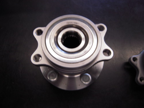 Subaru Hub and Bearing