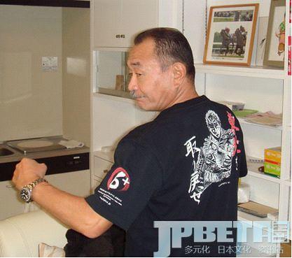 健次郎欲取回东日本!武论尊监修《北斗神拳》日本地震应援T-Shirt!