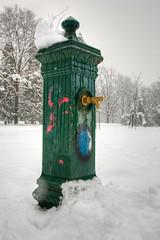 the 'Vivaio'. Lovely little park in Milano (stesettantadue) Tags: city winter cold milano neve snowfall inverno citta nevicata otw