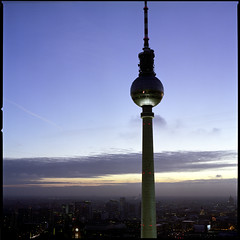 (amadeo ochoa) Tags: berlin 6x6 germany alemania fernsehturm gettyimages deutschetelekom 503cx amadeoochoa invitedby planar8mm