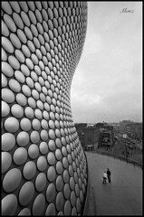 Circles and Curves (*monz*) Tags: uk building film architecture birmingham minolta iso400 voigtlander rangefinder delta selfridges rodinal ilford 15mm brum 20c 125 vm cle superwideheliar monz explored 9min