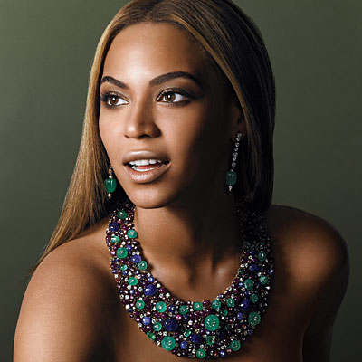 from beyonce to that necklace gets around gem