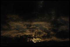 Dark Sunset (fs999) Tags: sunset cloud sun dark soleil pentax coucher wolke sombre nuage aficionados alignements vob k20d vuedenbas ashotadayorso justpentax pentaxk20d topqualityimage flickrlovers topqualityimageonly da55300 fs999 pentaxda55300mmf458ed mondeencourbes