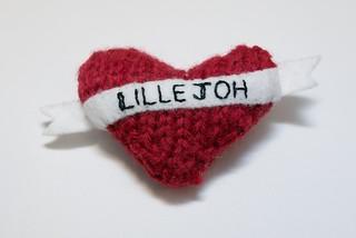 Knitted heart broach