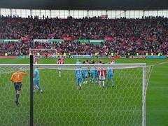 Stoke City F.C. - West Ham United (Vincent Teeuwen) Tags: city england stadium soccer stoke brittania westhamunited westham premierleague stokecity stokecityfc utregfanatic utregfanaticnl