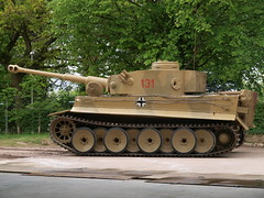 Tiger 131 (Megashorts) Tags: uk outside army moving war tank military tiger wwii olympus german armor dorset ww2 vehicle e3 fighting armour armored zuiko 2009 axis tankmuseum panzer 131 armoured zd tigeri 1454mm bovingtontankmuseum tiger1 panzerkampfwagen panzervi ausfe panzerkampfwagenvi sdkfz181 pzkpfwviausfe bovingtonmuseum