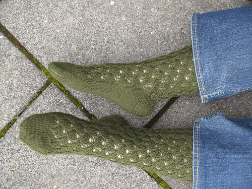 My green shell pattern socks