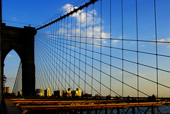 Tensions creuades / Crossed tensions (SBA73) Tags: nyc bridge blue usa ny newyork tower azul brooklyn puente torre unitedstates manhattan landmark cables brooklynbridge pont hanging blau neogothic tension estadosunidos nuevayork icona colgante novayork neogotic tensin puentedebrooklyn penjant neogotico tensi mywinners estatsunits aplusphoto pontdebrooklyn 100commentgroup artofimages bestcapturesaoi mygearandmepremium mygearandmebronze mygearandmesilver mygearandmegold mygearandmeplatinum