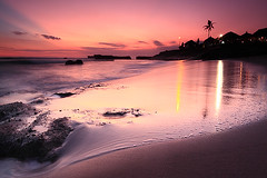 4secs of yesterday (tropicaLiving - Jessy Eykendorp) Tags: light sunset sea sky bali seascape beach nature water clouds canon reflections indonesia landscape eos coast sand rocks dusk shoreline wave textures ambient efs 1022mm goldenhour echobeach wetsand canggu 50d outdoorphotography canoneos50d tropicaliving hitechfilters vosplusbellesphotos rawproccessedwithdigitalphotopro tiffproccessedwithadobephotoshopcs3 4secsofyesterday hitechfilterndgrad