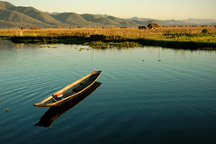 Little boat - Inle Lake - Myanmar (PascalBo) Tags: reflection landscape outdoors boat nikon asia southeastasia d70 burma reflet myanmar inlelake asie bateau paysage shanstate birmanie réflexion lacinle 123faves asiedusudest pascalboegli lpboats