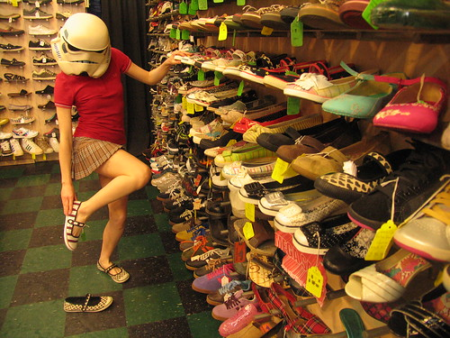 redandjonny: Shoe shopping sugar shoes