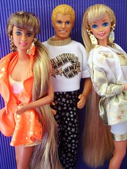 Hollywood Hair Family 1992 (Chicomttel) Tags: hair barbie hollywood 1992 mattel inc