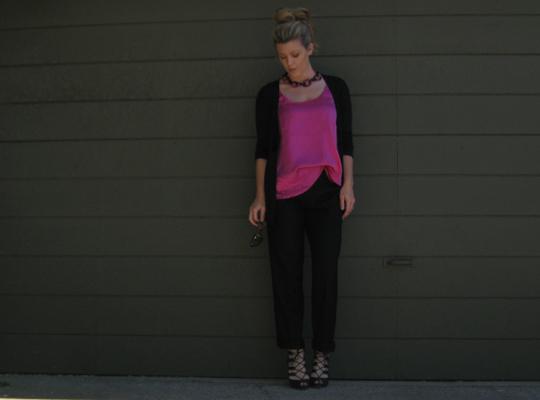 pink tank blouse+black cuffed pants+lace up heels -2