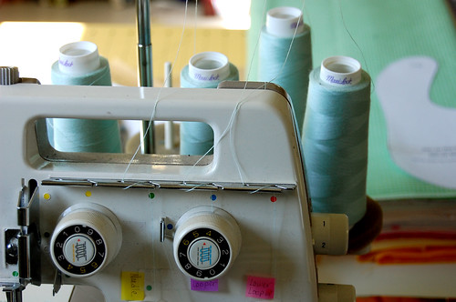 serger, thread