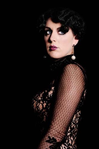 roaring 20s makeup. 1920s. Makeup: Datura Glamour