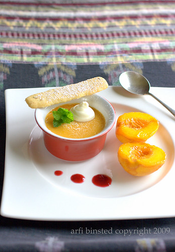 Caramel Pot and Minted Shortbread with Caramelized Peach