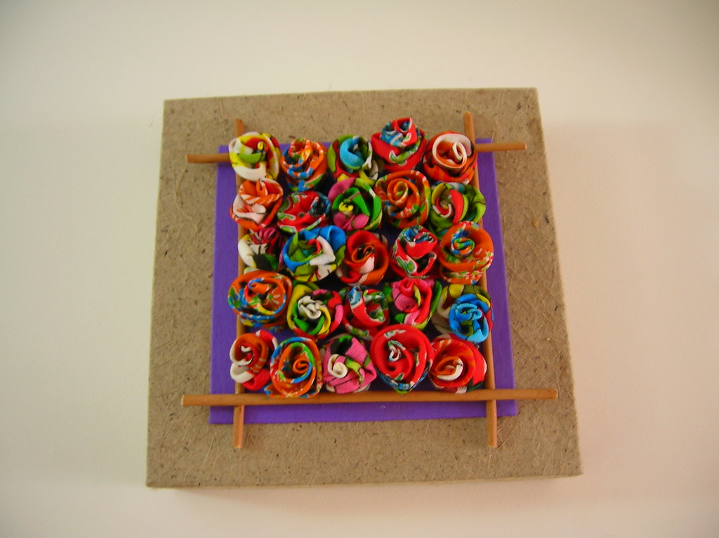 Quadro Flores e Papel reciclado
