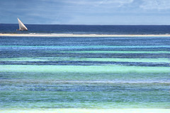 Ocean of colours - Das Farbenmeer (alles-schlumpf) Tags: ocean africa blue summer sky cloud color colour green water colors clouds boot boat sand colorful meer warm wasser waves sailing colours kenya turquoise sommer stripes indianocean dream sails himmel wolke wolken wave dreaming sail afrika colourful grn blau farbe schiff kenia blick welle striped segeln segelboot sandbank mombasa farben segel streifen wellen gestreift traum trkis farbenfroh seeblick indischerozean trumen dianibeach blaugrn mywinners farbenmeer platinumheartaward 100commentgroup