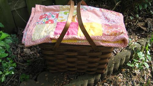 picnic basket & quilt
