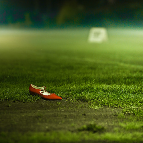 Cuba Gallery: Red / shoe / green / grass / landscape / photography / light