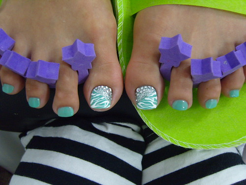 nail designs for toe nail art wih light blue green nails