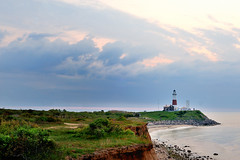 Montauk Lighthouse (Paws2008) Tags: ocean sky cloud lighthouse sunrise landscapes montauk tunick easthampton 50mm18d somoteitbe d700
