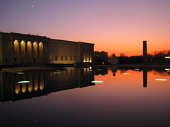 Nelson-Atkins Museum (Lord Jezzer) Tags: pink sunset reflection pool museum purple kansascity nelsonatkins shuttlecock