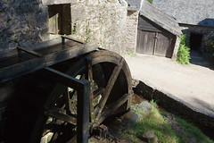 Restored watermill at Kerouat (Kornelis) Tags: france museum nederland bretagne frankrijk windmolen watermolen commana