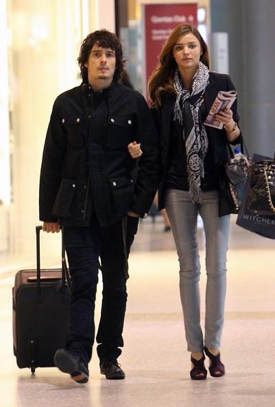 Orlando+Bloom+Miranda+Kerr+Sydney+Airport+1fK7K3qqOPol by Jessica0Neil
