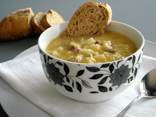 Zuppa di cavolo cappuccio e pancetta