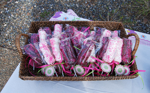 1st birthday pink marshmallow pops