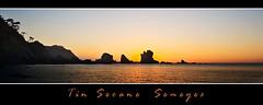 Panormica del Silenciu (Chamicu) Tags: sunset costa sol canon landscape atardecer mar agua asturias playa el roca cudillero silencio oceano perfiles asturies cantabrico occidente asturiano concejo 400d chamicu gavieru